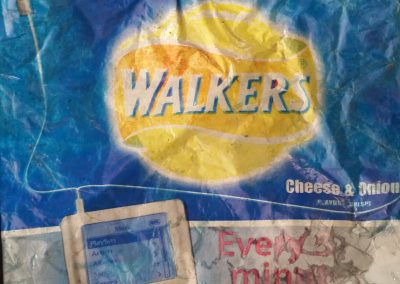 2005 walkers crisp packet